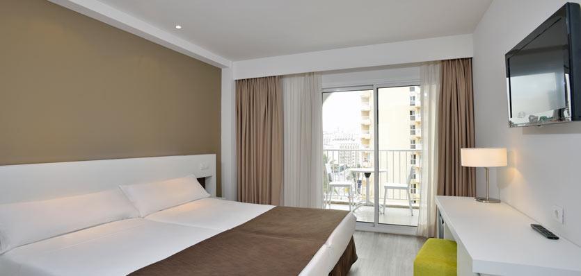 Sol Pelicanos Ocas hotel room