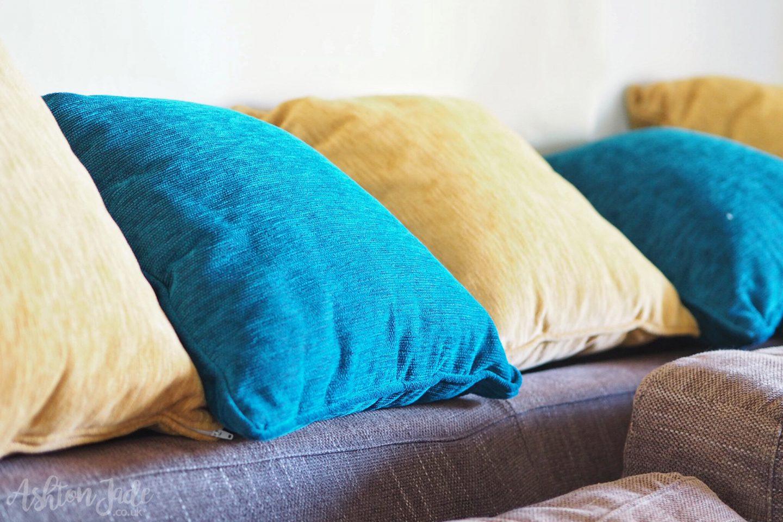 hotel-ayii-anargyri-cyprus-room-cushions