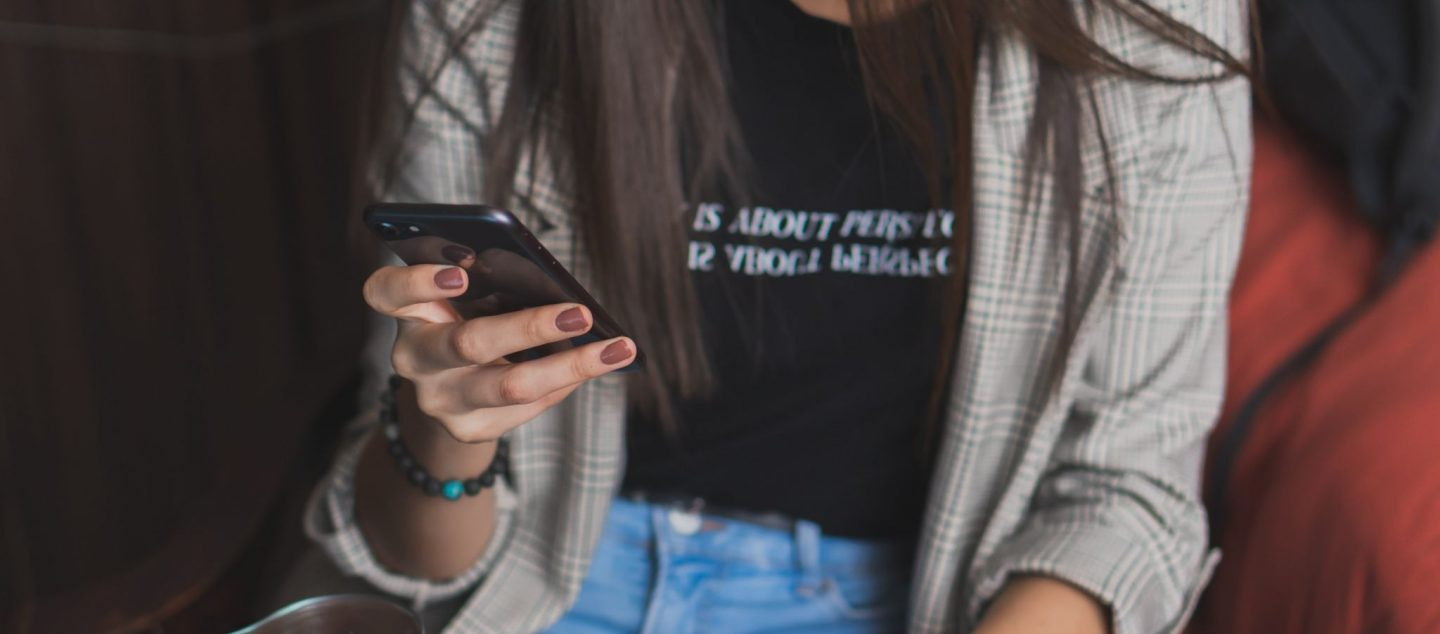 """""""Should I Try Online Dating?""""- 7 Reasons to Say Yes!"""