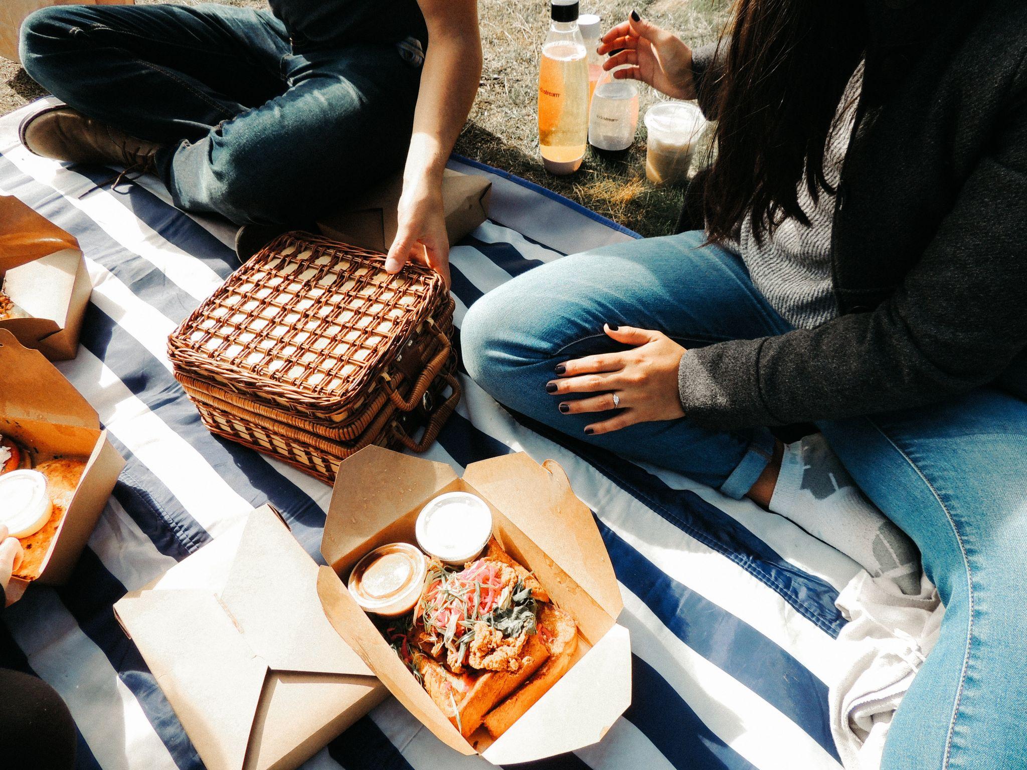 7 Lovely Summertime Date Ideas