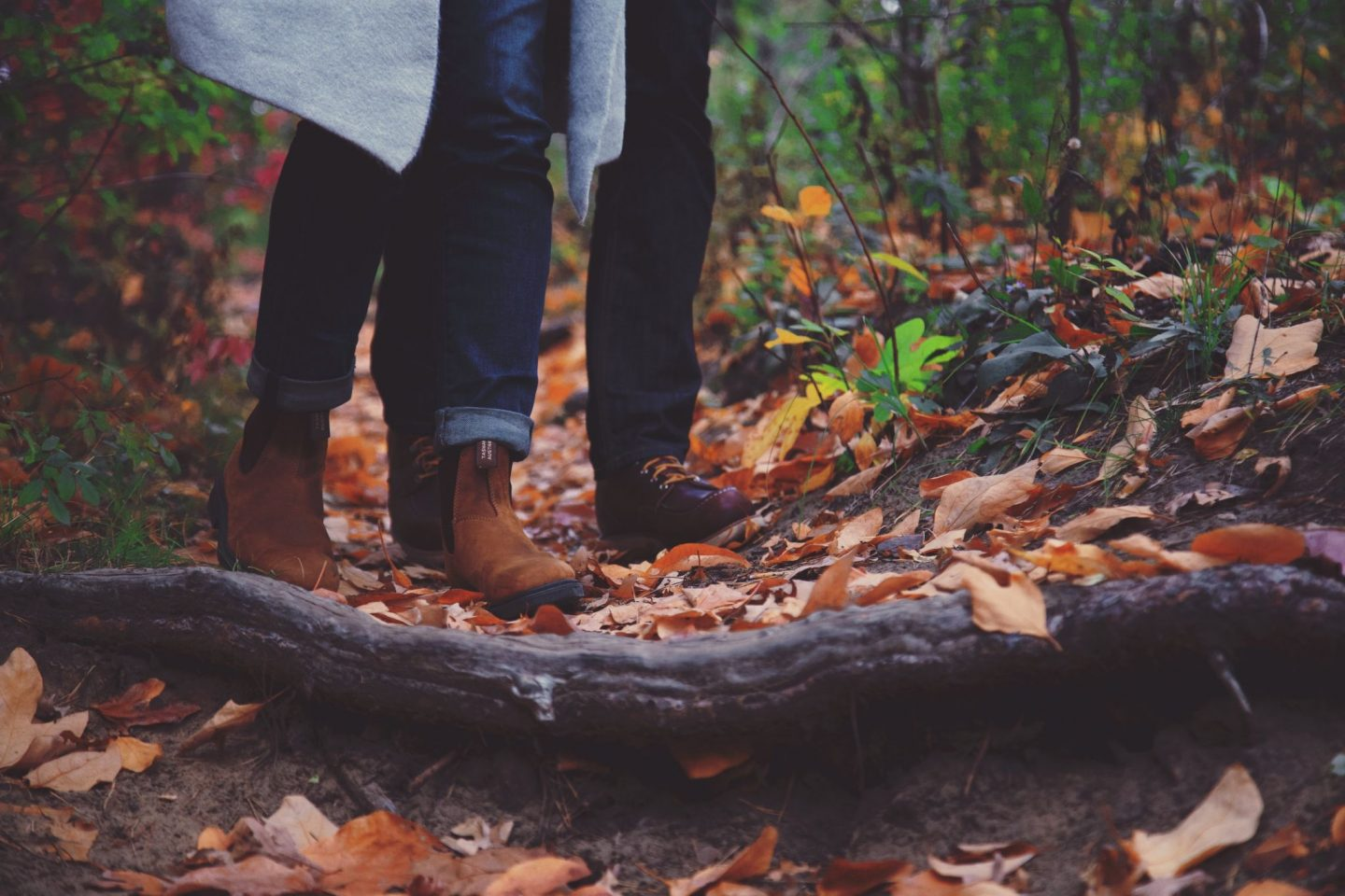 7 Autumn Date Ideas You Can *Fall* in Love With
